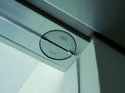 Hardglazen deur met Dorma Visur, bovendraaipunt
