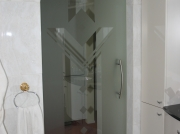 Hardglazen deur met mattering