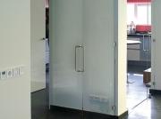 Hardglazen deur met vaste zijwand