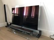 TV-meubel met picture-on-wall tv-scherm.